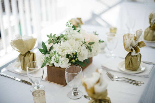 goldweddingcenterpieces