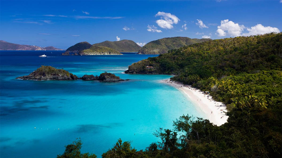 The beautiful beaches and turquoise waters of St Thomas USVI.